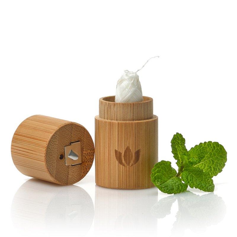Naturbrush Hilo Dental & Estuche De Bambú Set Baño E Higiene