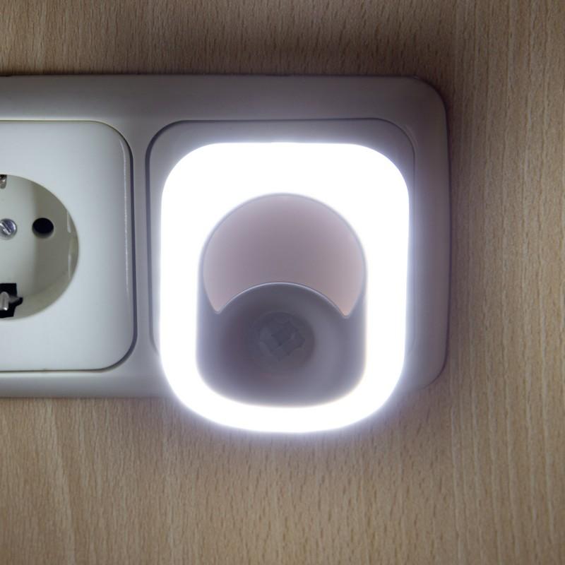 Enchufe 2 en 1 led 2w con detector de presencia - Lamparas con detector de presencia ...