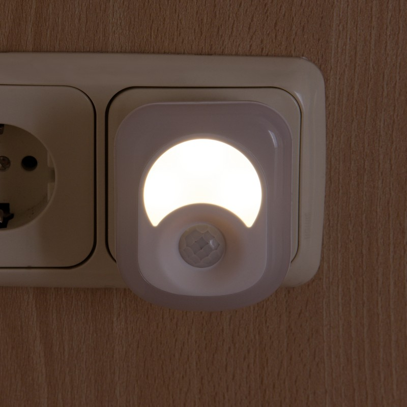 enchufe 2 en 1 led 2w con detector de presencia. Black Bedroom Furniture Sets. Home Design Ideas