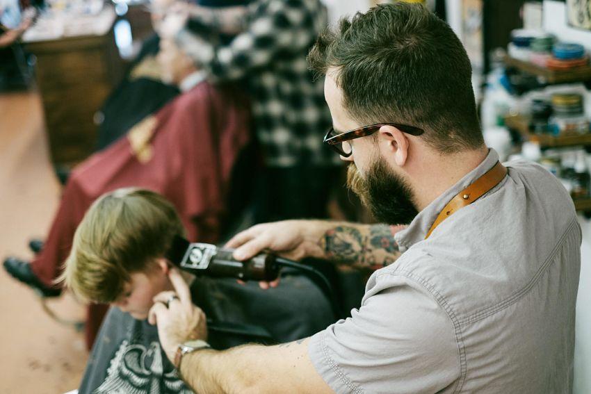 cortar el pelo a un niño